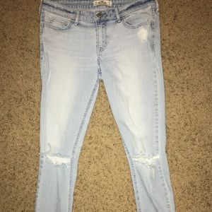 Hollister jeans (distressed)